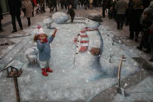 """Making Mr. Snowman"" © Julian Beever"