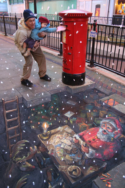 """Placing the Orders"" © Julian Beever"